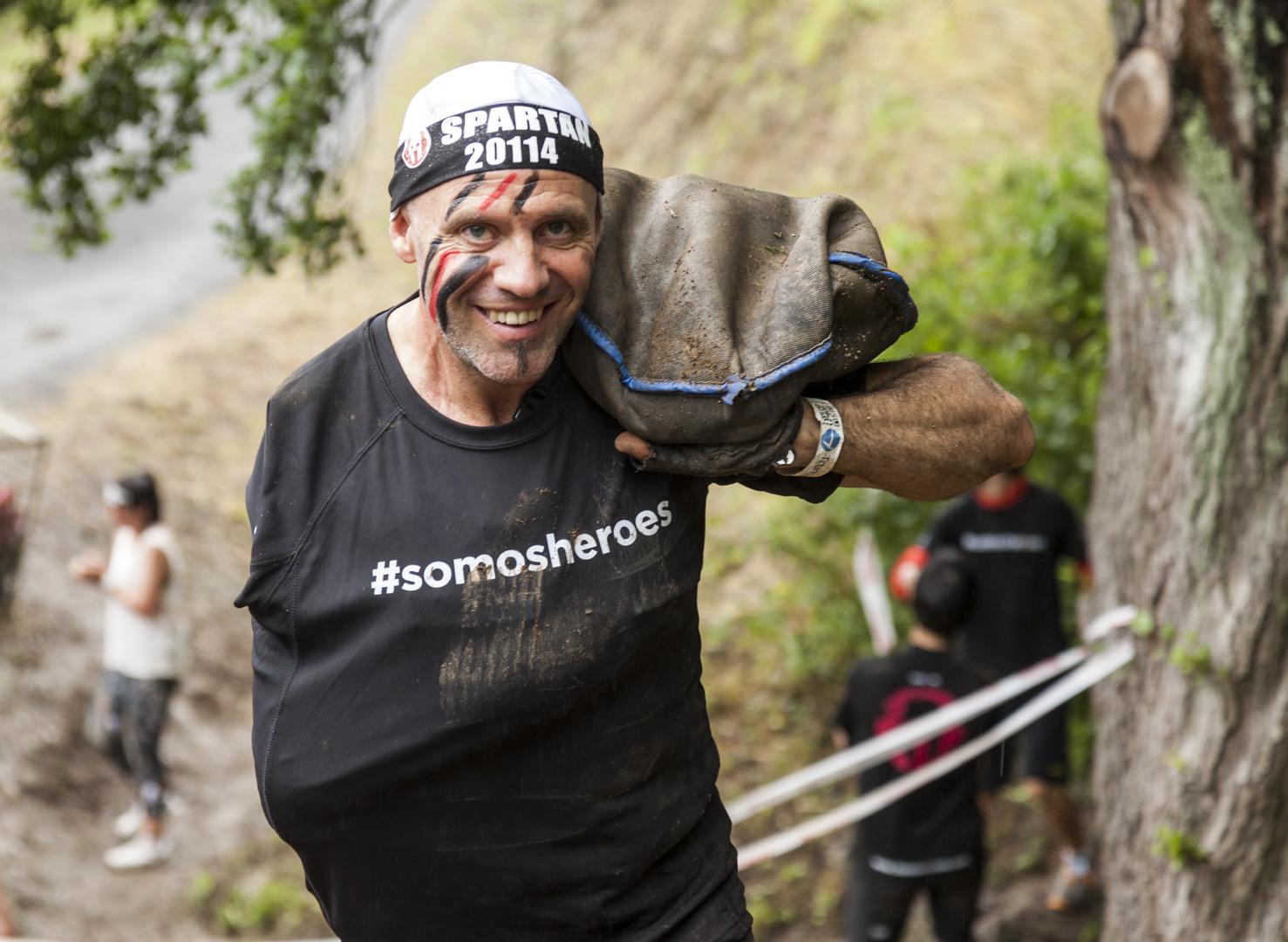Jorge Orejón, integrante de #somosheroes en plena Spartan Race.
