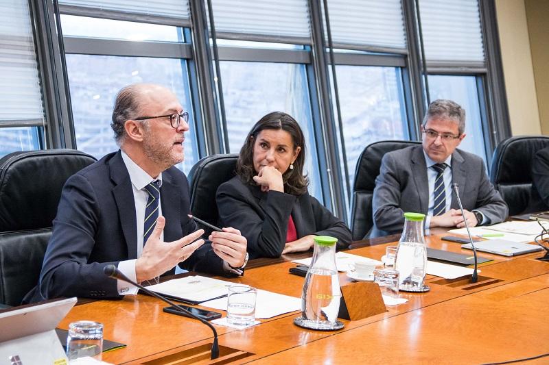 David Menéndez, Amalia Blanco y Juan Carlos Lauder, durante la presentación.