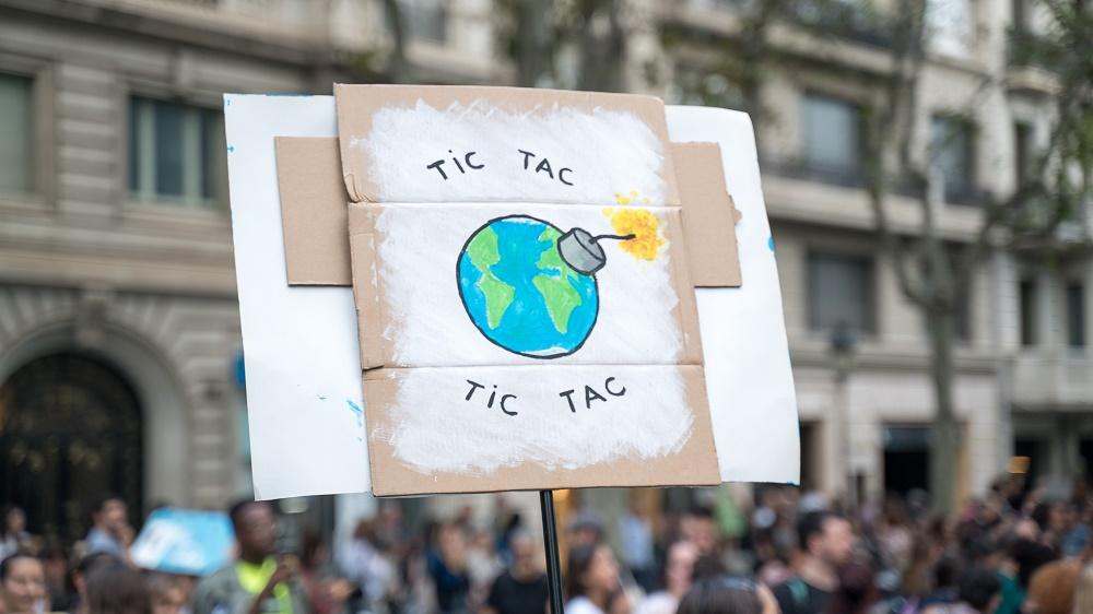 Ecologistas en Acción, Greenpeace y Oxfam Intermón demandan al Gobierno.