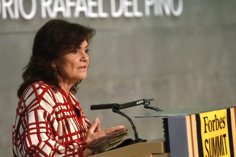 La vicepresidenta del Gobierno y ministra de la Presidencia, Relaciones con las Cortes e Igualdad, Carmen Calvo, durante su intervención en la jornada Forbes Summit Women.