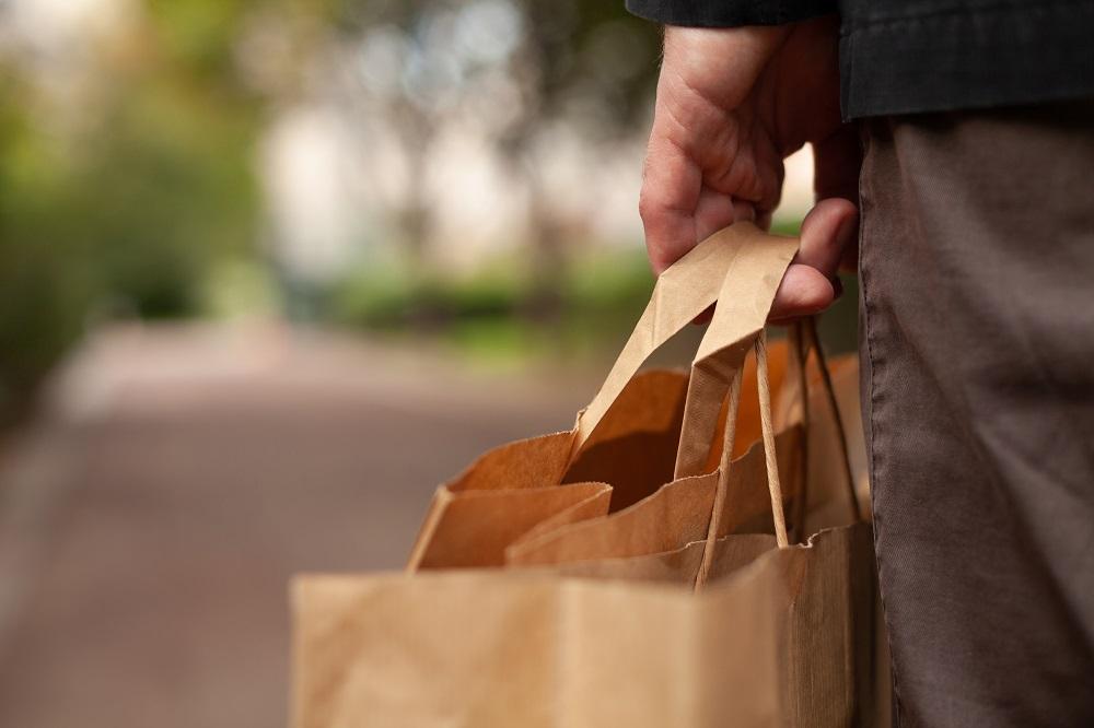 El 61% de encuestados afirma estar menos dispuesto a comprar el producto de una empresa poco comprometida.