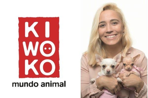 Raquel Hernández, responsable de Adopciones en KIWOKO, junto a sus perritas Babi y Cleo