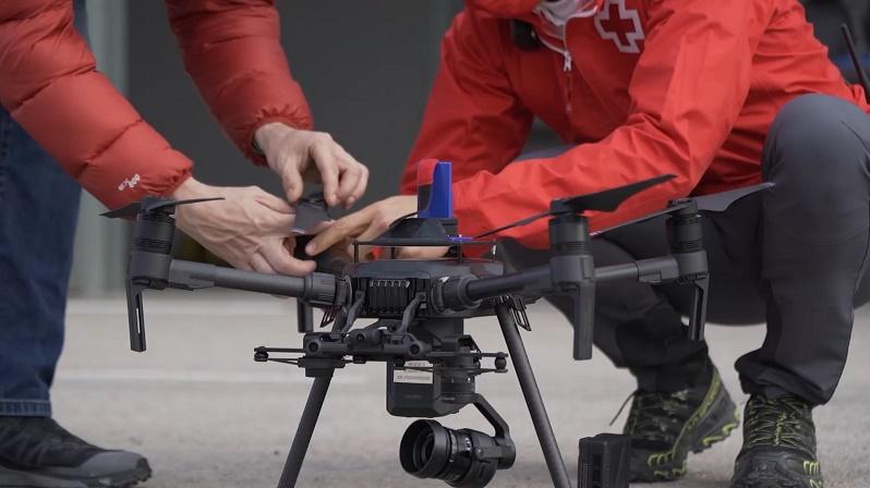 Preparación de un UAV en el simulacro.