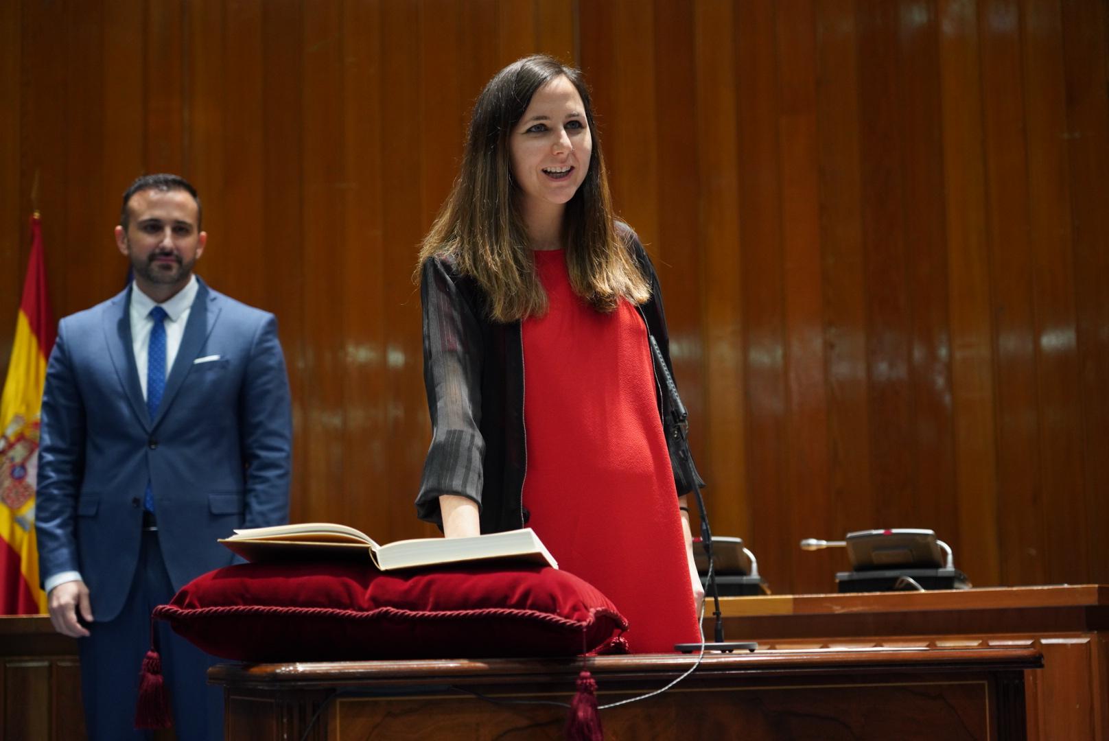 Ione Belarra promete su cargo de secretaria de Estado para la Agenda 2030.