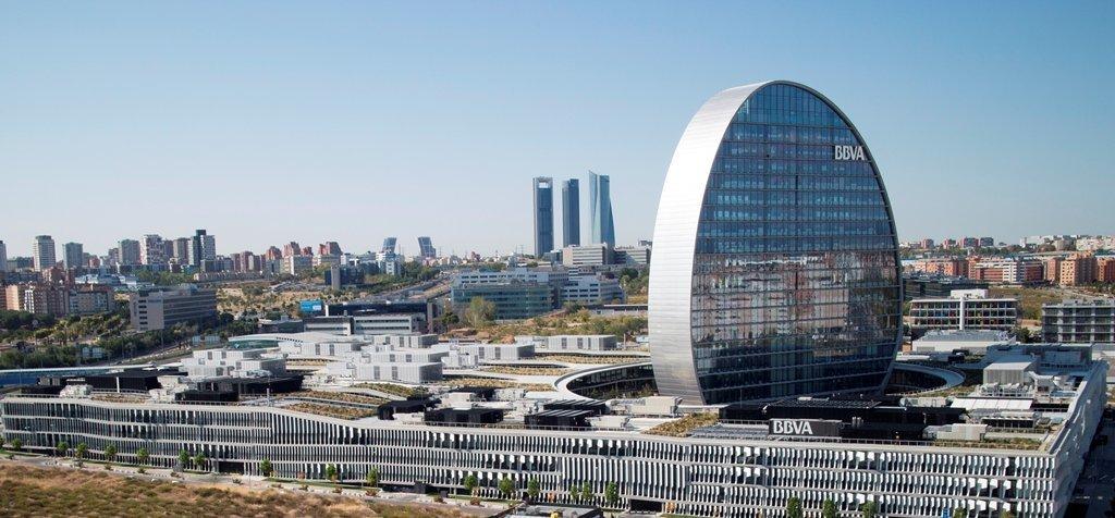 Edificio la Vela de BBVA en Madrid.
