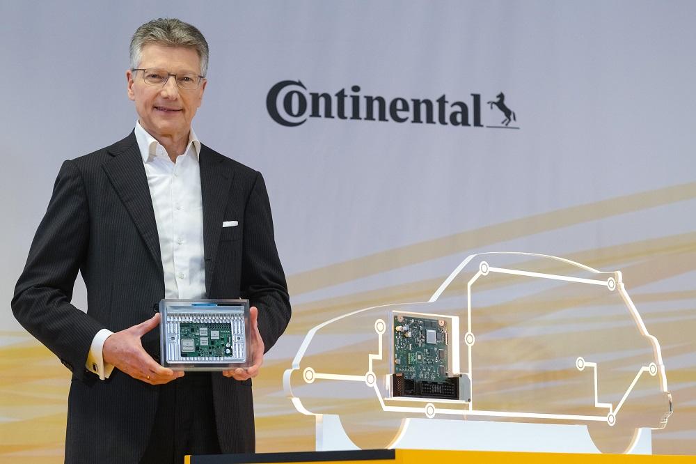 Elmar Degenhart, CEO de Continental.