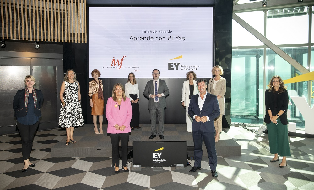 Directivos de EY y de International Women's Forum Spain.