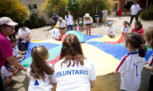 Fundación Mutua Madrileña lanza sus VII Premios al Voluntariado Universitario.