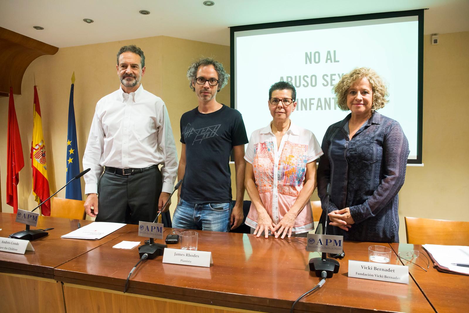 Andrés Conde, James Rhodes, Vicky Bernadet y la pediatra Concepción Sánchez.