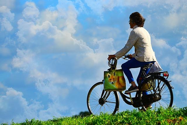 El uso de bicis y patinetes es una forma de movilidad sostenible