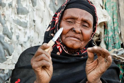 Las comadronas son clave para erradicar la mutilación genital femenina. (Foto Zeba Mbuvi.World Vision).