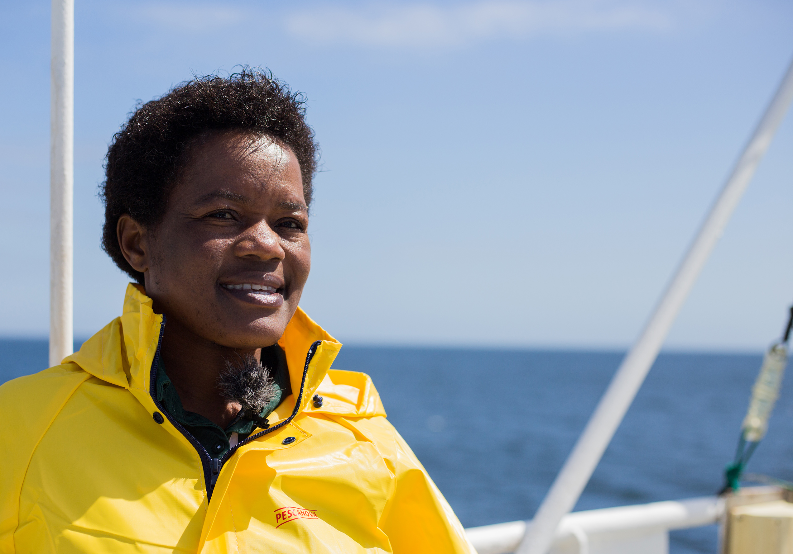 Nelago Kwedhi, la primera mujer de Namibia que ha conseguido el título de capitana de barco.