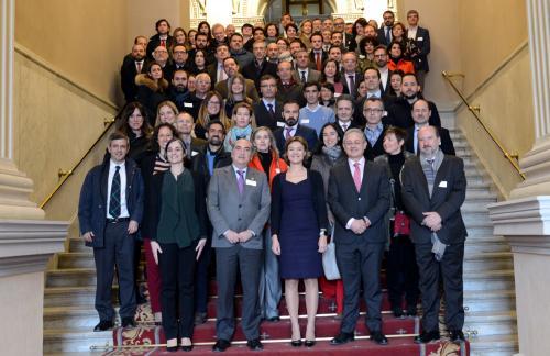 Representantes de entidades adheridas a la Plataforma, junto a la ministra Tejerina.