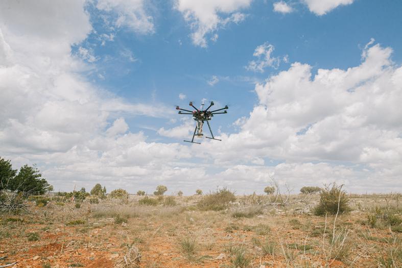 Dron de CO2 Revolution utilizado en el proyecto de reforestación 'Smart Green' de LG en Alcoroches (Guadalajara).