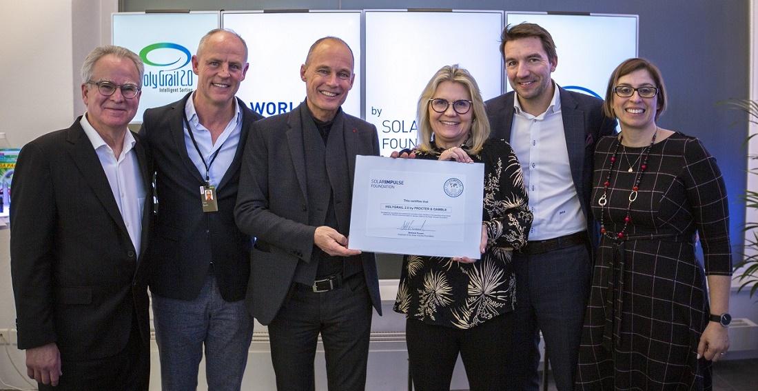 Momento de la entrega del premio 'Solar Impulse' a P&G