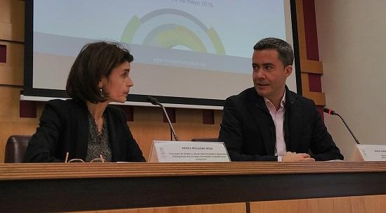 Nerea Melgosa y Diego Isabel La Moneda, durante la presentación del foro.