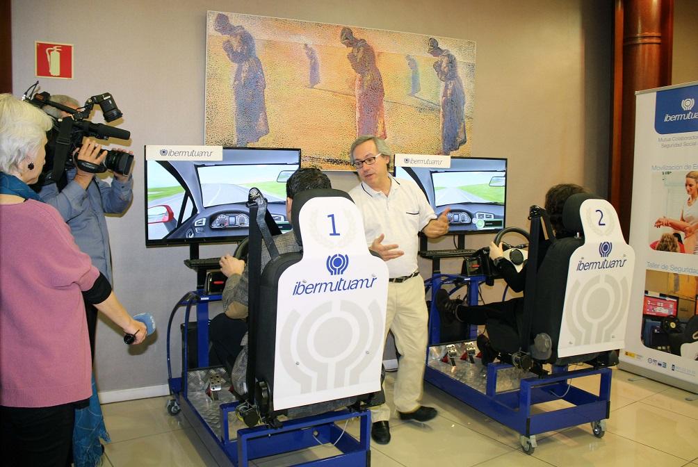 Simulador de conducción 3D en un taller de prevención de accidentes laborales de tráfico de Ibermutuamur.