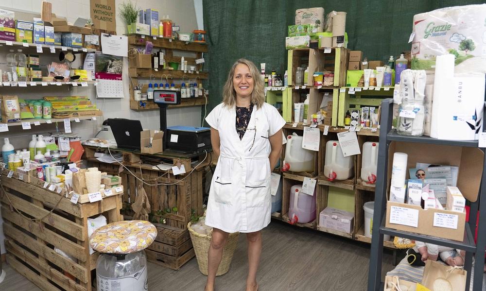 Natalia Fuente en su tienda 'Clean up bio'.