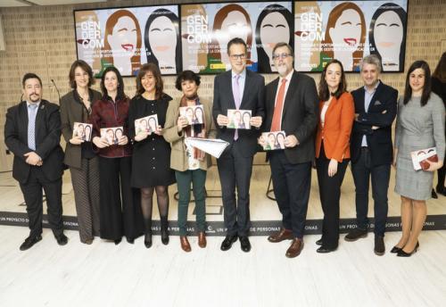 Imagen de grupo presentación 'Informe Gendercom'.