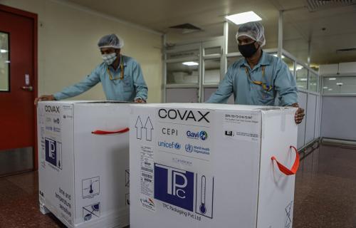Distribución de vacunas en la India a través de Covax.