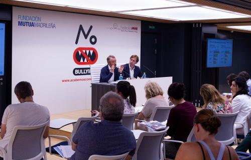 Lorenzo Cooklin y Benjamín Ballesteros, en la presentación del estudio (Foto: Fundación Mutua Madrilleña)
