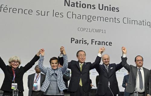 Foto final de los mandatarios, tras alcanzar el Acuerdo de París, del que se cumplen cinco años.