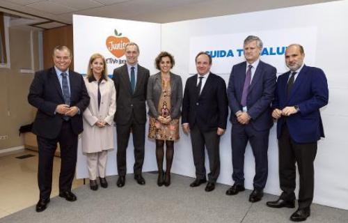 De derecha a izquierda, Javier Bardají, Juan Julián García Gómez, José Javier Castrodeza, Dolors Montserrat, Silvio González, Teresa Robledo y Bartolomé Beltrán.