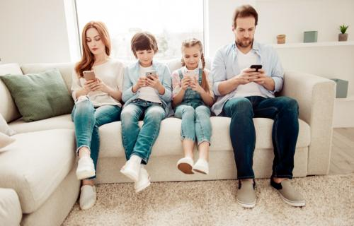 La dependencia a los dispositivos móviles ya es una preocupación para psicólogos y terapeutas.