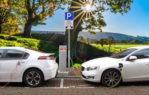 El objetivo es desarrollar el ecosistema para la fabricación integral de vehículos eléctricos y conectados en España