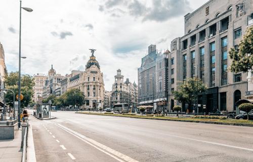 Pedro Sánchez ha trasladado a Chile  la disposición de España a facilitar la COP25, incluido acogerla en Madrid.