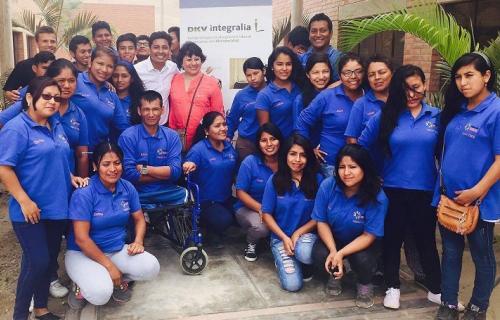 Jóvenes beneficiarios del proyecto Konecta-Fundación Integralia DKV en Perú