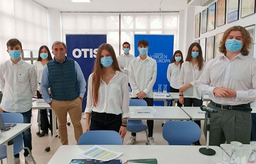 Equipo del programa 'Made to Move Communities' de Otis del Colegio Virgen de Europa, de Madrid.