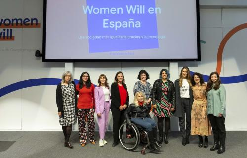 Foto de grupo de las ponentes en la presentación de 'Women Will' en España