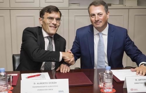 Alberto Durán, vicepresidente de Fundación ONCE, y Antoni Ballabriga, director de Responsible Business de BBVA.