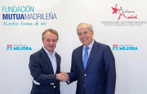 Lorenzo Cooklin, director general de Fundación Mutua Madrileña ( a la izquierda) y Manuel Nevado, presidente de Federación Autismo Madrid.