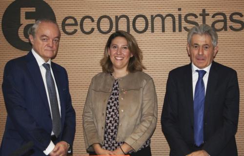 De izda. a dcha.: José Manuel de Riva, Crsitina Sánchez y Valentín Pich.