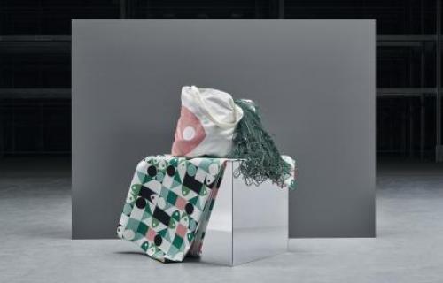 Mantel y bolsa de la colección 'Musselblomma' de Ikea.