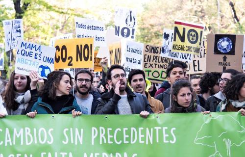 Javier Pamplona, en el centro, durante una manifestación. (Foto: Diego Rodríguez)