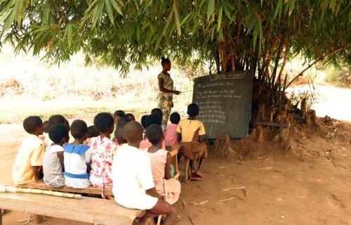 El ODS 4 incide en que la educación es la base del desarrollo sostenible.