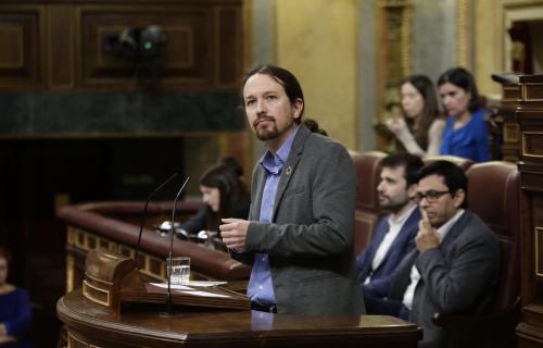Pablo Iglesias, líder de Unidas-Podemos, lució el pin de los ODS en la sesión de investidura (Foto: Congreso de los Diputados)
