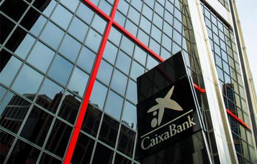 Euromoney también reconoce el compromiso social de CaixaBank con los colectivos más afectados por la pandemia