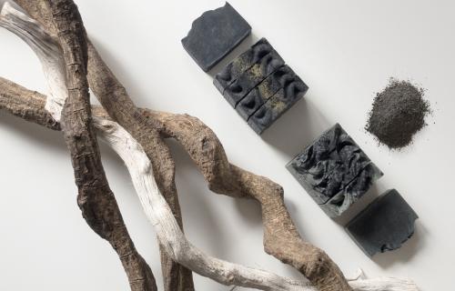 Ramas y cenizas que utiliza Ashes to Life.