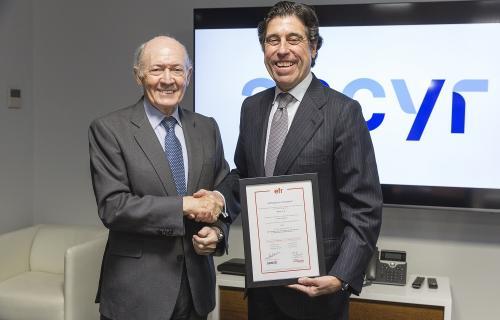 Antonio Trueba, presidente de Másfamilia, y Manuel Manrique, presidente de Sacyr.