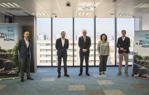 Firma del acuerdo entre Saint-Gobain y Green Building Council España.
