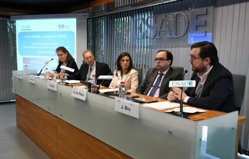 Belén Perales (IBM), Ignasi Carreras (Esade), Ana Sainz (Seres), José Luis Risco (EY) y Juan Bru (Huawey).