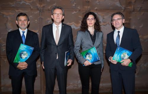 De izda. a dcha.: Ángel Castiñeira, Àngel Pes, Liliana Arroyo y Jaume Giró.