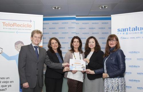 La aseguradora Santalucía reconocida por su participación en TeloReciclo.
