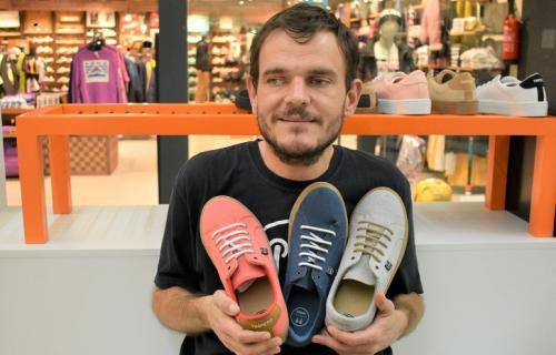 Diego Soliveres, diseñador de las zapatillas Timpers.