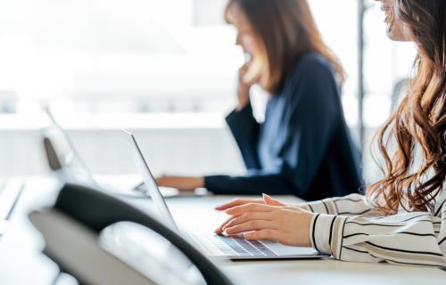 las empresas deberán poseer un registro de salarios para evitar la discriminación por sexo.