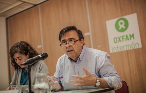 José Mª Vera, director de Oxfam Intermón, y Pilar Orenes, directora adjunta. Foto: Pablo Tosco.